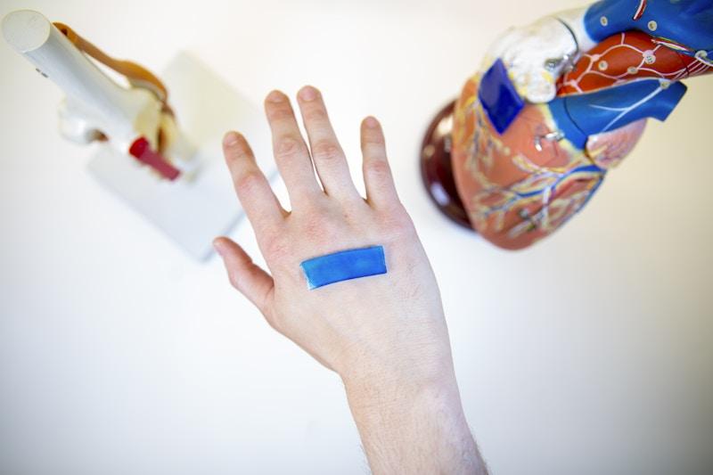 Apósito ayuda a acelerar la curación de heridas
