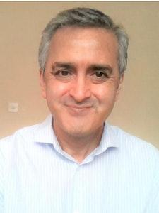 Tan Rasab Headshot